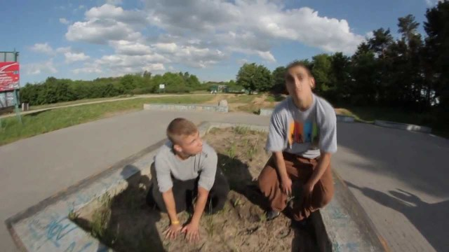 Greku & Kamilek – some tricks at the skatepark in slow motion